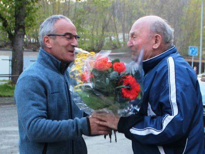 Fanfarenzug Greiz überbrachte Eberhard Andreä ein Ständchen zum 84. Geburtstag.