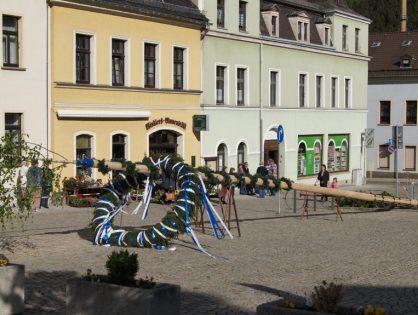 Maibaumaufstellen in Elsterberg